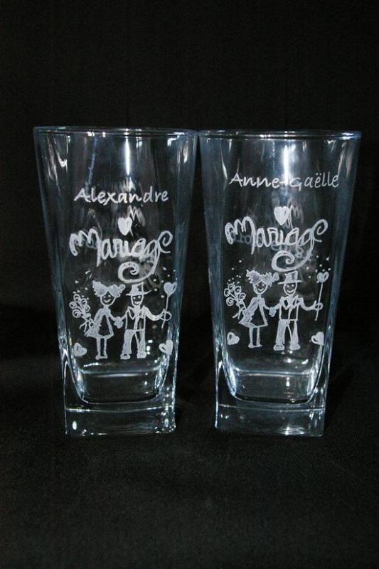 Duo de verres graves et personnalises pour le mariage d alexandre et anne gaelle
