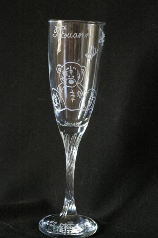Flute a champagne personnalisee pour une naissance