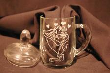 in mug à thé gravé d'un Taz personnage de dessin animé