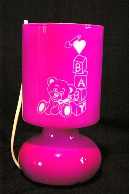 Lampe rose gravee pour la naissance d une fillette 5
