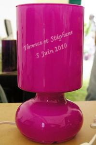 Lampe rose personnalisee pour le mariage de flo et steph