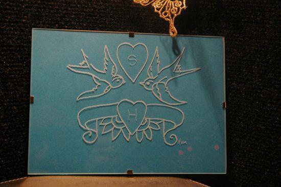 Petit cadre personnalise d une gravure de colombes pour des amoureux un cadeau unique