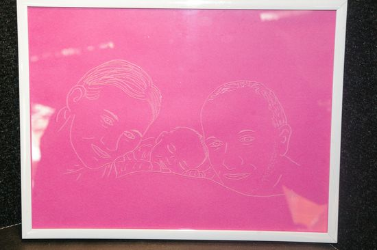 Portrait de famille dessine d apres une photo et grave sur un cadre