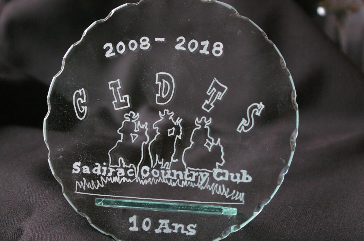 Trophee en verre grave d un logo de club 1