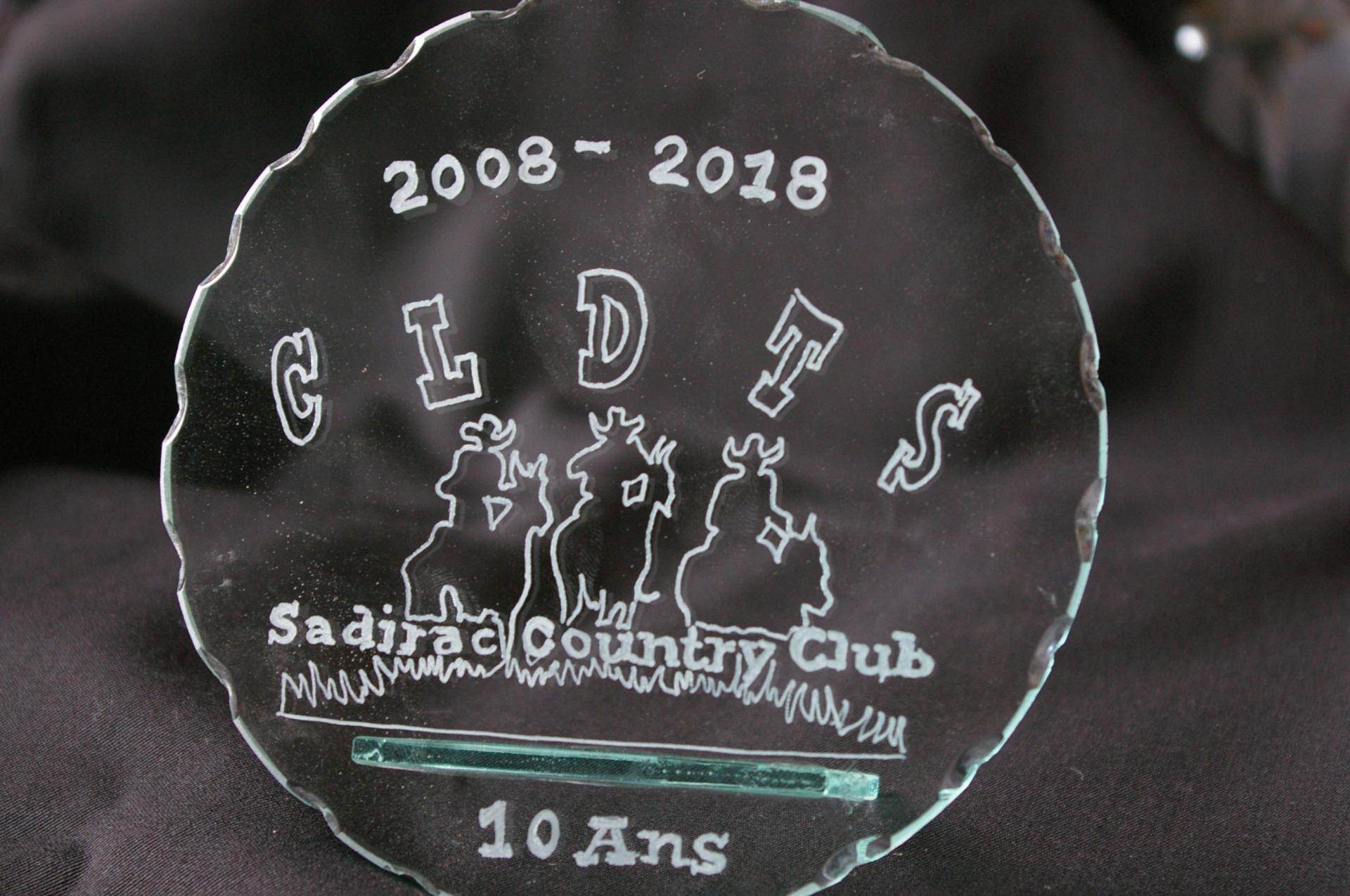 Trophee en verre grave d un logo de club