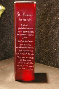 Vase rouge grave d un message d amour pour un cadeau unique 1