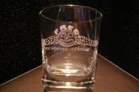 Verre a whisky grave du logo de club de cascadeurs