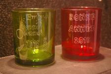 Verres de couleurs pour souhaiter la bonne annee grace a la gravure sur verre